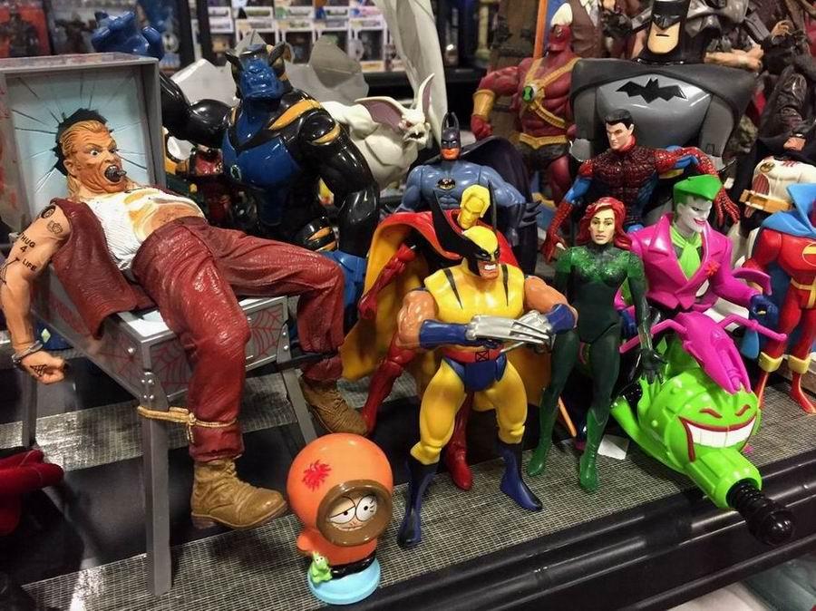 comic-con-berlin-2016-superhelden-figuren-zum-kauf