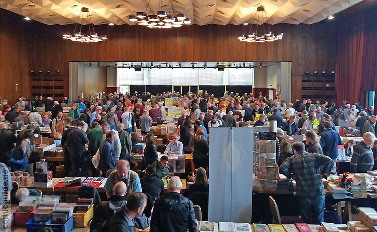 Viele Besucher auf der Comicmesse Köln 2017